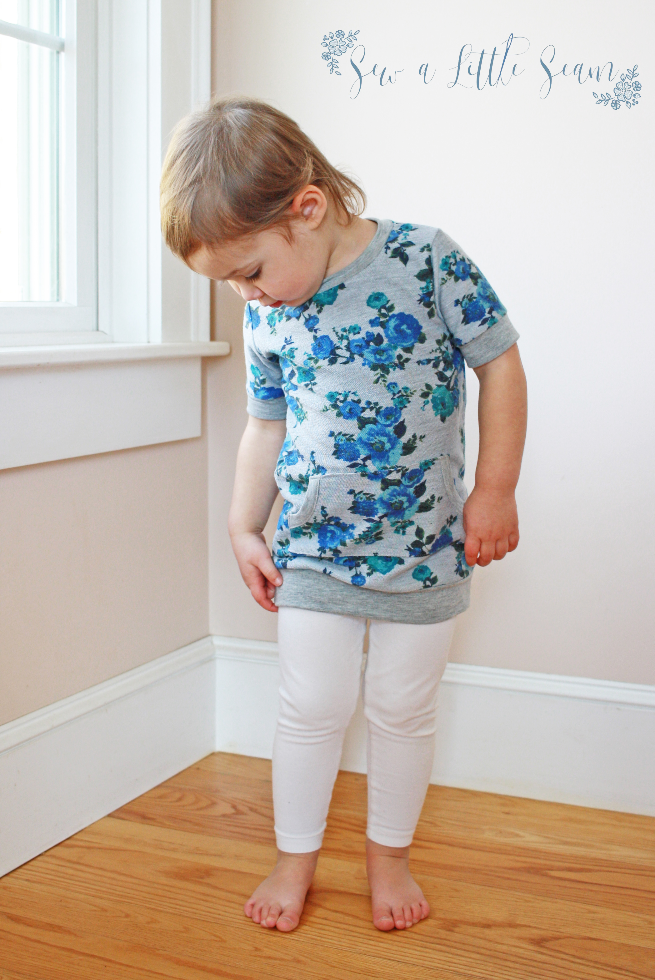 Short sleeve tunic with bands