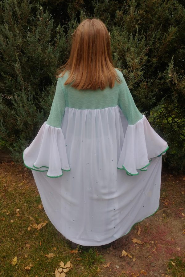 SL attached cape bell sleeves